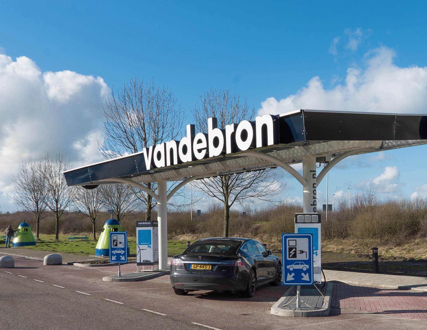 Vandebron plugs car owners into the electricity market